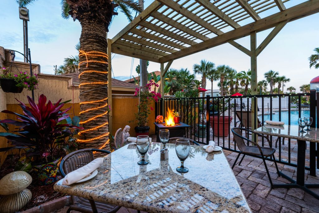 outdoor seating of la cocina international restaurant st augustine
