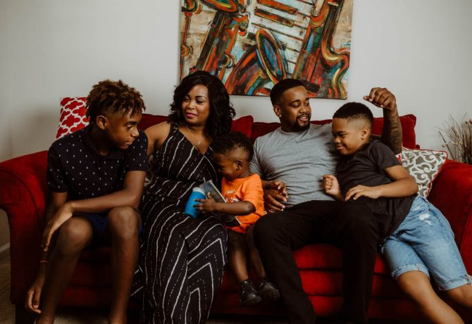 donte palmer at home with his family