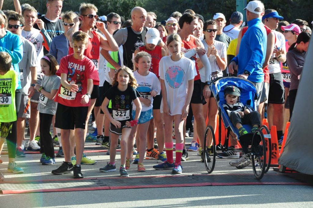 runners line up for the st augustine lighthouse 5k and fun run