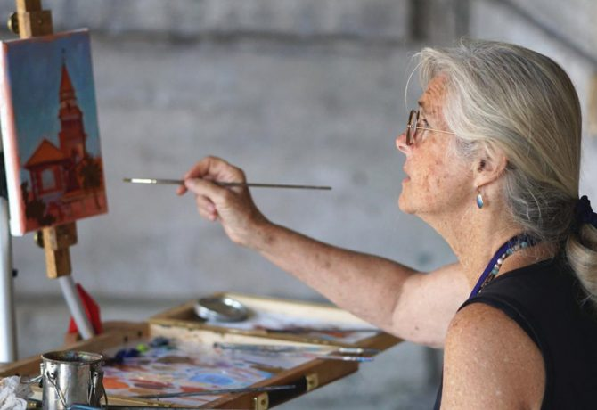 a painter with the st augustine plein air paint out