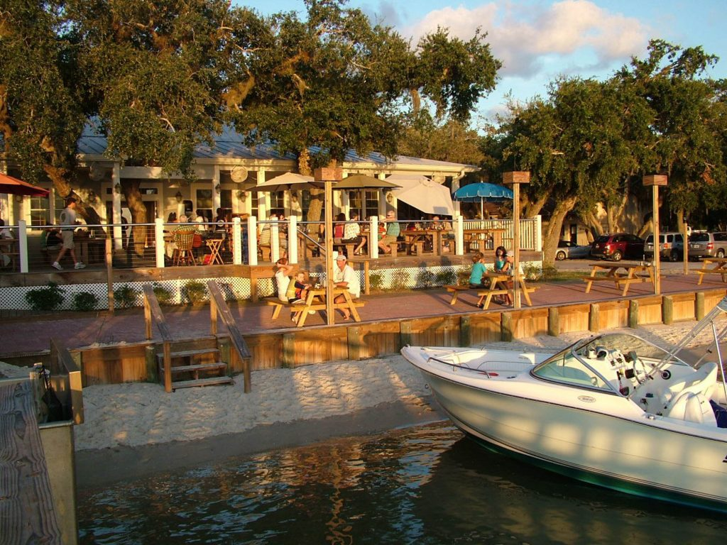 the dock and deck at aunt kates waterfront restaurant in st augustine florida