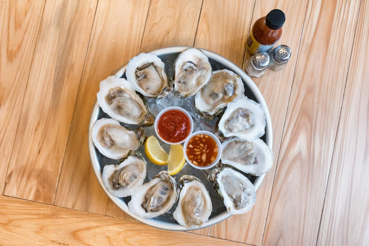 Best Oysters in St. Augustine - St. Augustine Seafood Company - Raw oysters with fixings